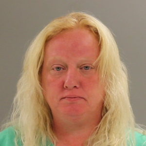 """Boner, Sherry L. 5' 02"""" 140 lbs FTA-(2 cts) DUI/ DWLS/ Battery/ (2 cts) Deceptive Practices"""
